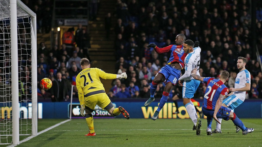 HERJET: Yannick Bolasie scoret to mål i Crystal Palaces 5-1-seier over Newcastle.
