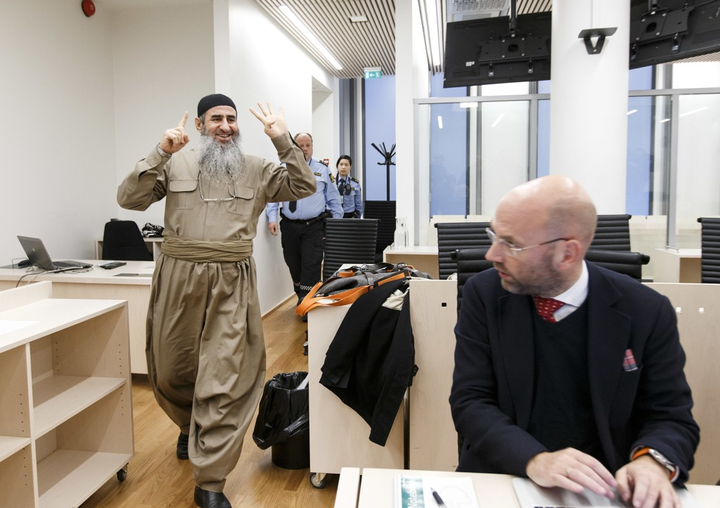 I RETTEN IGJEN: Mulla Krekar møtte for 57. gang i en norsk rettssal. Han nektet straffskyld for terroranklagene fra italiensk politi. Han ble begjært varetektsfengslet i åtte nye dager.