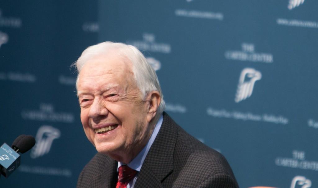 Tidligere president Jimmy Carter er friskmeldt etter kreftbehandlingen han har gjennomgått de siste månedene.