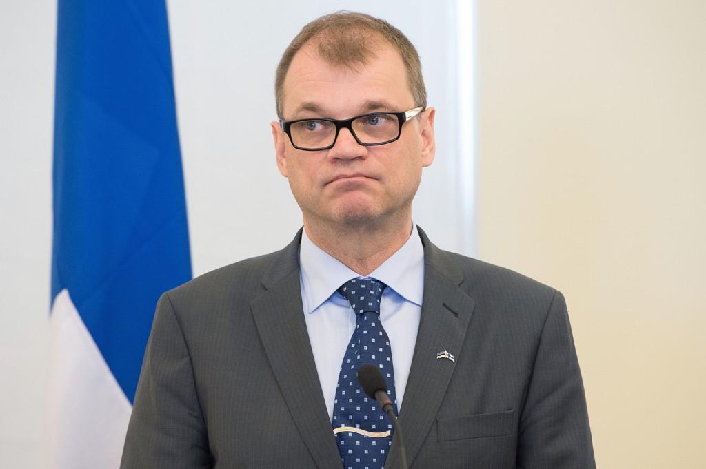 Finland vurderer å innføre borgerlønn på 800 euro i måneden. Landets statsminister Juha Sipilä er positiv til borgerlønn.