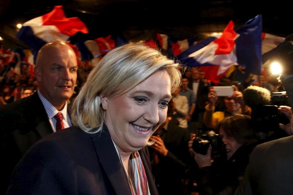 Marine Le Pen har all grunn til å smile etter første runde av regionvalget i Frankrike.