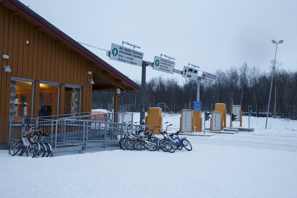 Den norsk-russiske grensestasjonen Storskog i Øst-Finnmark. Mange asylsøkere har brukt sykler for å ta seg fram til grensen.