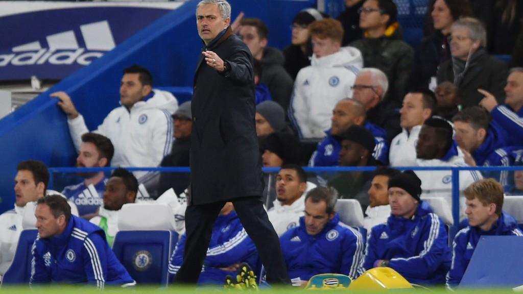 Det har så langt vært en vanskelig sesong for José Mourinho og Chelsea. Onsdag møter klubben Porto i den siste og avgjørende kampen i mesterligaens gruppespill.