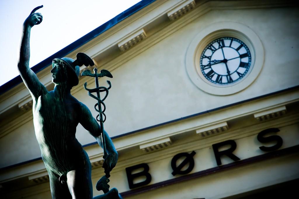 På Oslo Børs var hovedindeksen ned 1,43 prosent til 608,39 poeng tirsdag.