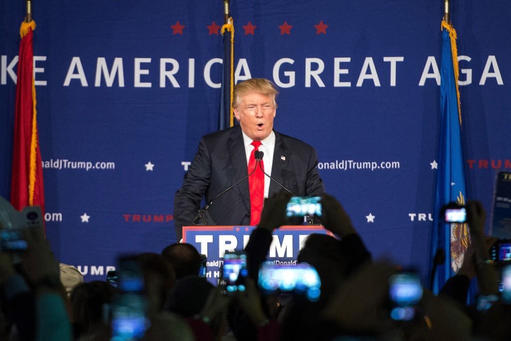 DONALD TRUMP splitter USA med sin retorikk. Han leder meningsmålingene blant de republikanske kandidatene.