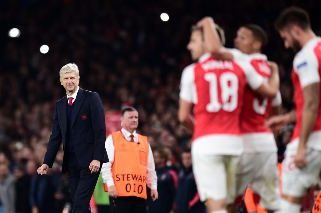 MER AV DETTE: Arsene Wenger trenger seier og mot Olympiakos, og håper å se guttene sine feire igjen i den avgjørende gruppespillkampen.