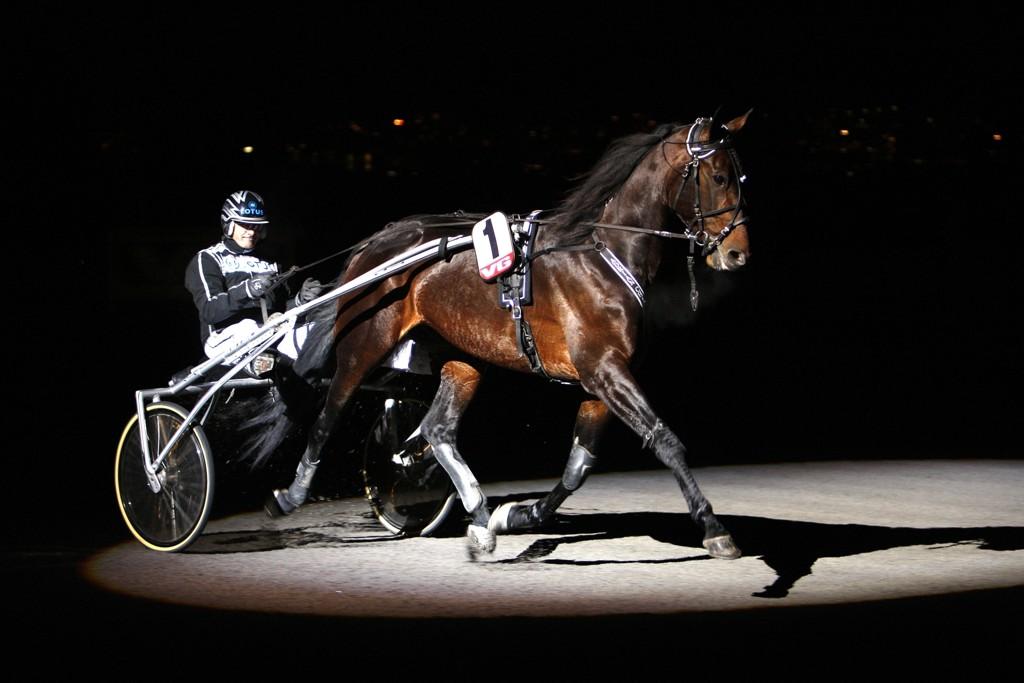 Robert Bergh kjører vår banker mandag. Foto: Anders Kongsrud/www.hesteguiden.com.
