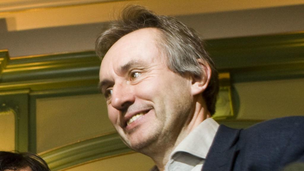 I HARDT VÆR: Helge Simonnes håver inn millioner på lukrative avtaler.