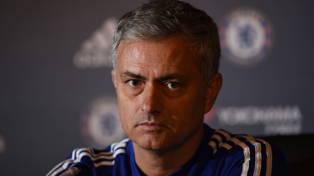 I HARDT VÆR: José Mourinho er under press. I intervjusonen etter tapet mot Leicester gjorde han det trolig verre for seg selv.