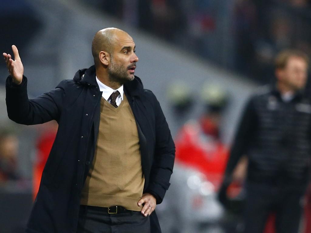 HVA SKAL MAN VELGE? Bayern München-trener Josep Guardiola vasser tilsynelatende i muligheter til å overta som manager i store Premier League-klubber.
