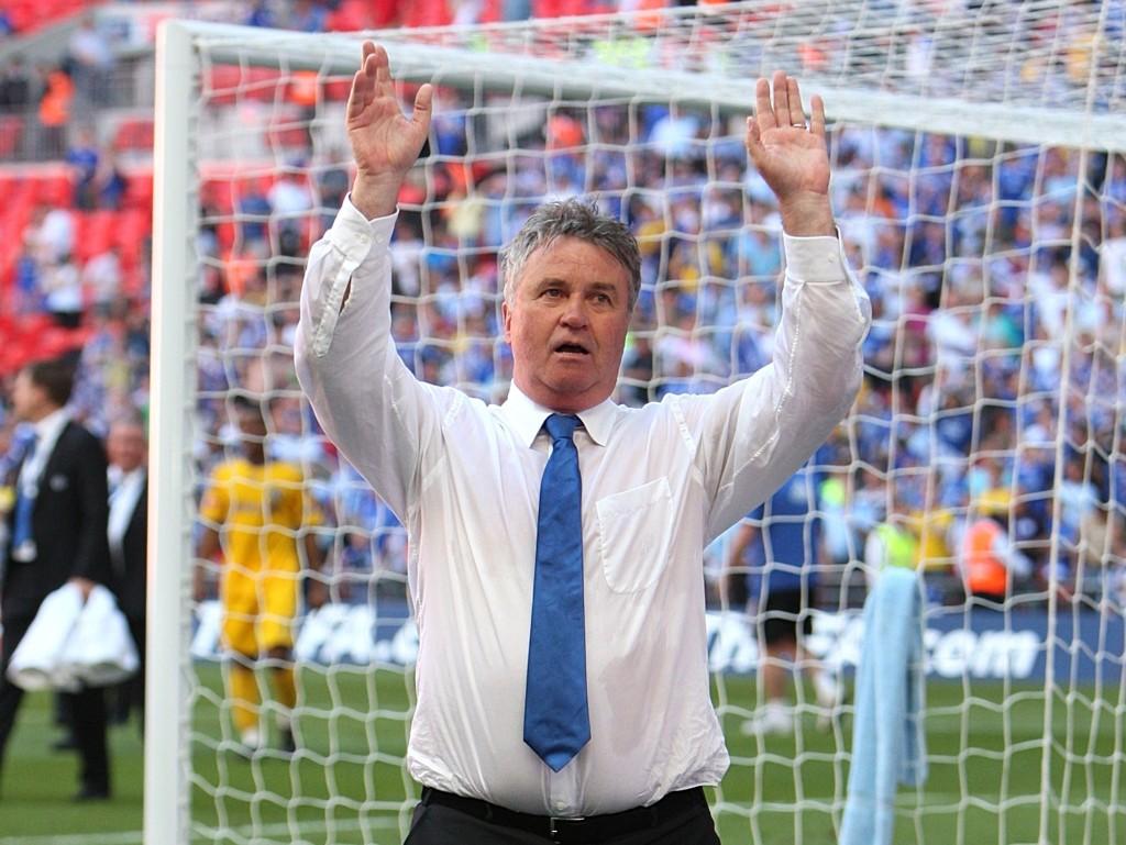 RETURNERER: Guus Hiddink går løs på sin andre periode som midlertidig Chelsea-manager.