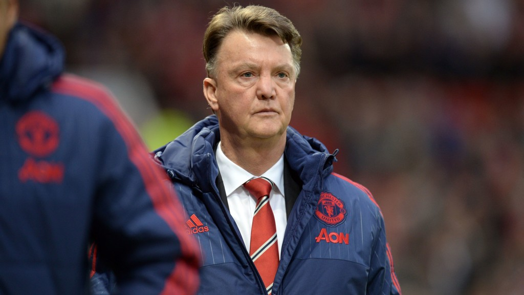 TØFFE DAGER: Manchester United-manager Louis van Gaal nærmer seg sparken.