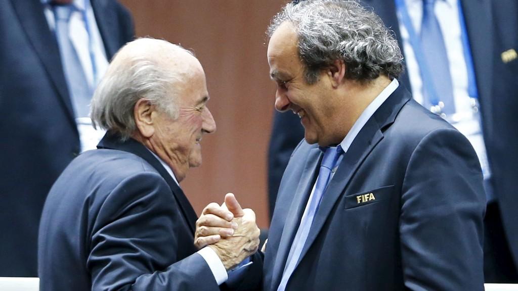 FIFA-president Sepp Blatter og UEFA-president Michel Platini er utestengt fra all fotball i åtte år.