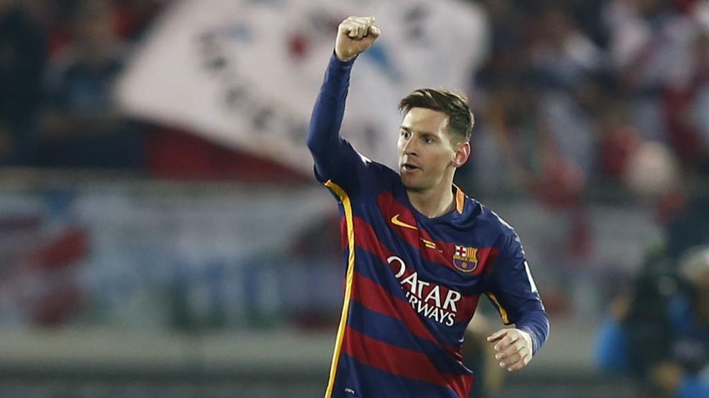 FORBANNA: Lionel Messi fant seg ikke i å bli spyttet på av en River Plate-supporter.