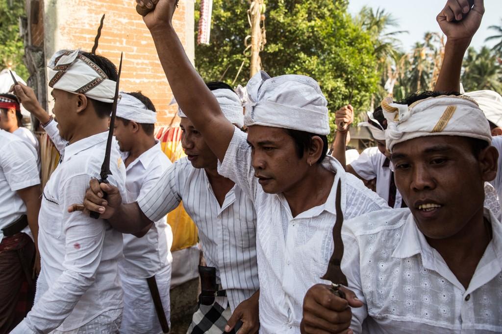 INDONESIA, BALI: Bildet er fra en lokal seremoni i den indonesiske landsbyen Selumbung.