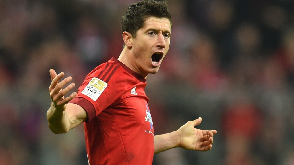 TIL ENGLAND? Robert Lewandowski kobles til United.