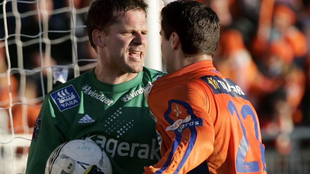 KEEPER: Erik Holtan er for en legende å regne i norsk fotball. Her i aksjon mot Aalesund, for Odd.
