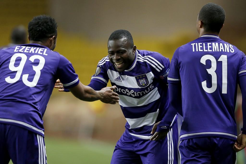 GOD SESONG: Anderlecht-spillerne kan med seier mot Sporting Lokeren klatre opp til 2. plass på tabellen.
