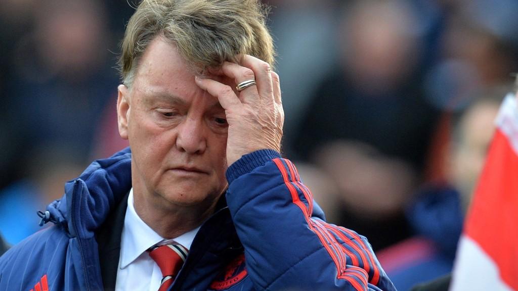PRESSET: Manchester United-manager Louis van Gaal erkjenner at han vurderer egen fremtid.