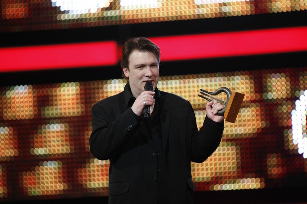 Countrymusikeren Tore Andersen døde brått 2. juledag, bare 55 år gammel. Bildet er tatt da han i mars 2010 mottok spellemannprisen i kategorien country i Oslo Spektrum.