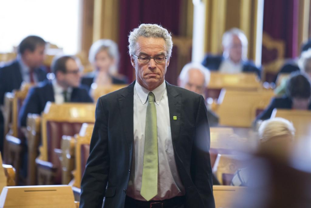 NEDGANG: MDGs stortingsrepresentant og talsperson, Rasmus Hansson, sier partiet må skjerpe seg etter kraftig nedgang på meningsmåling.