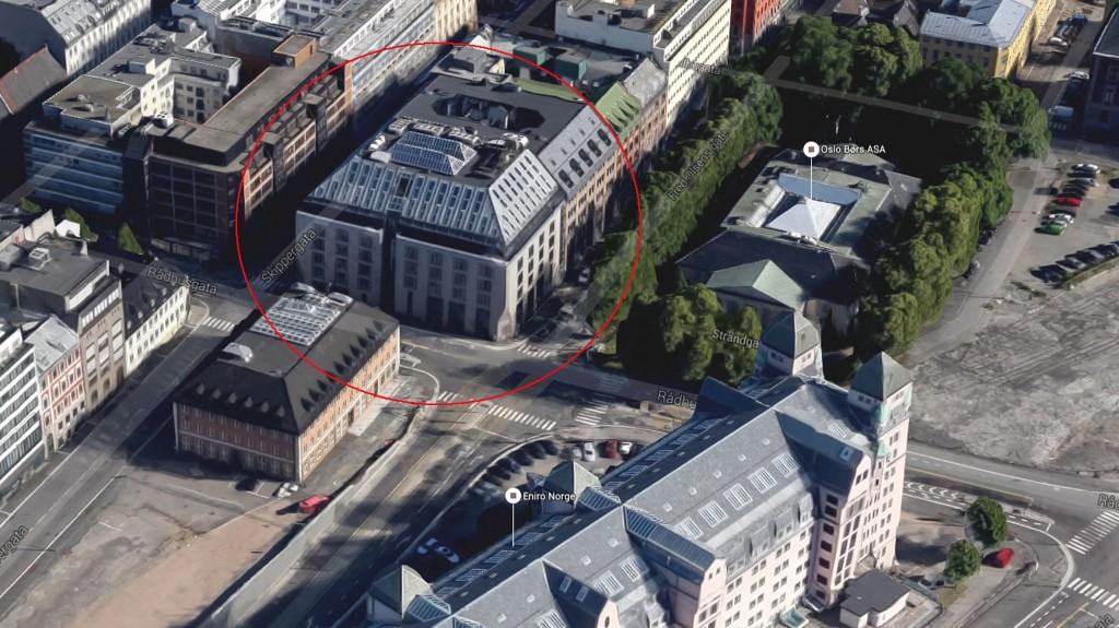 Kirkens ukjente sparekasse, Opplysningsvesenets fond, eier blant annet Rådhusgaten 1 - nabobygget til Oslo børs.
