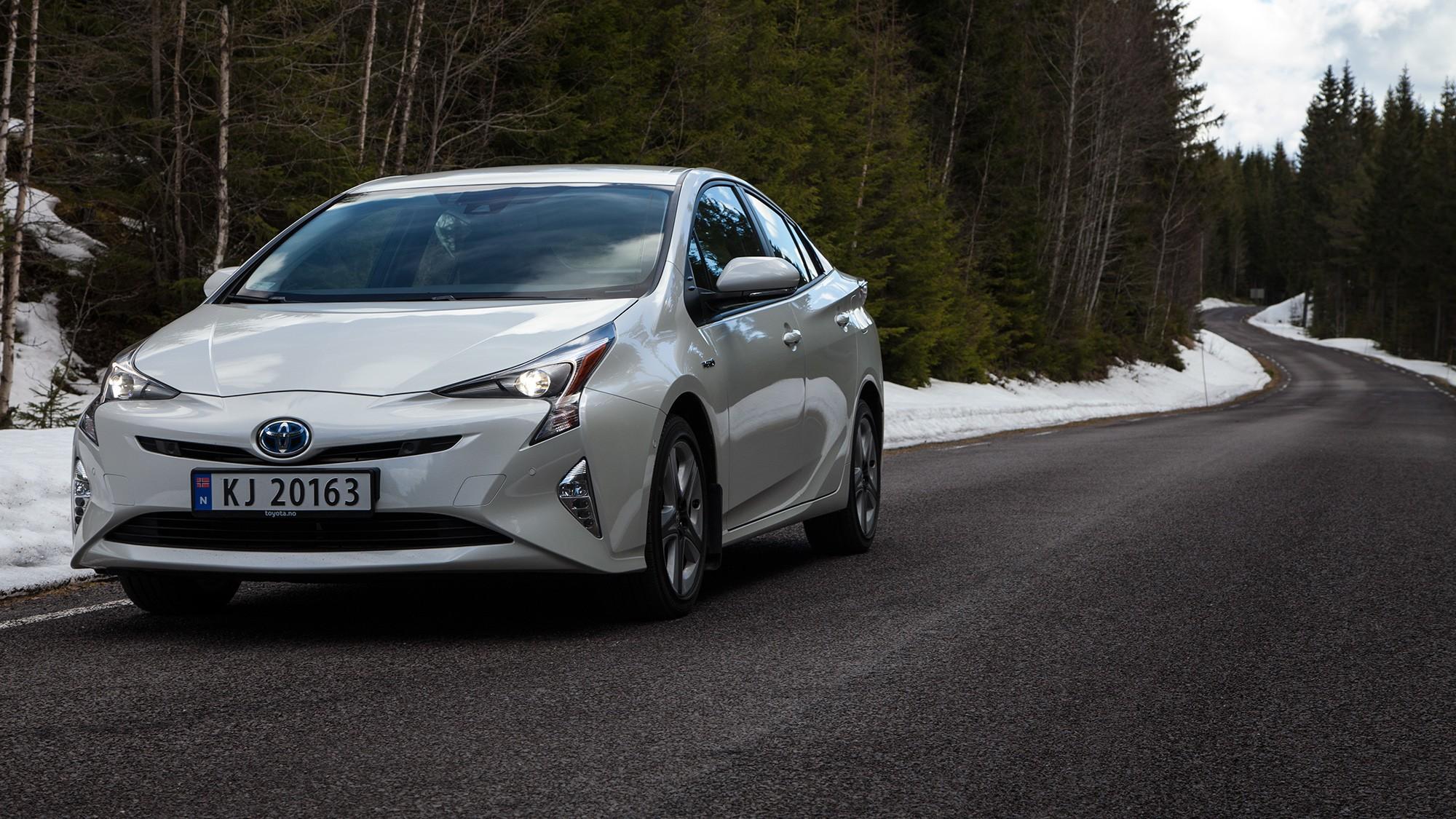 COMEBACK: Det er noen år siden en vanlig Prius ble ansett særlig relevant, men i 4. generasjon gjør bilen et realt comeback.