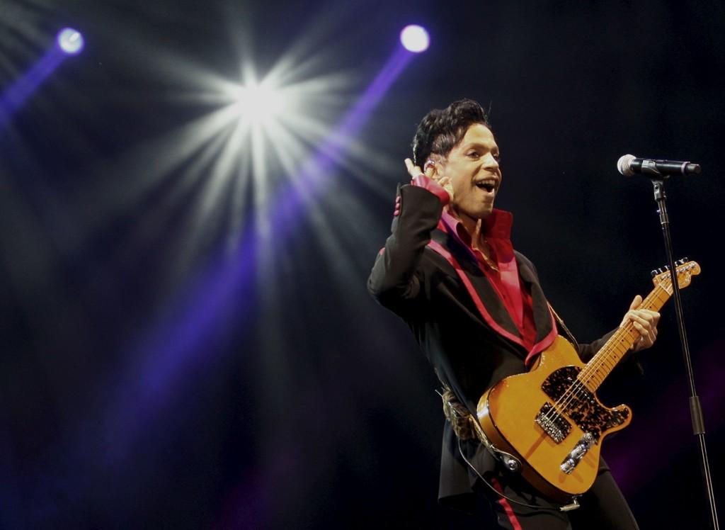 EN AV DE STORE: Prince.