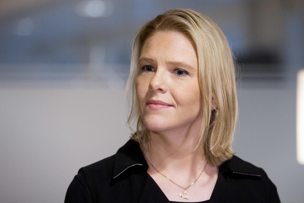 Innvandrings- og integreringsminister Sylvi Listhaug (Frp) vil gjøre det enklere for asylsøkere å komme tidlig i jobb.