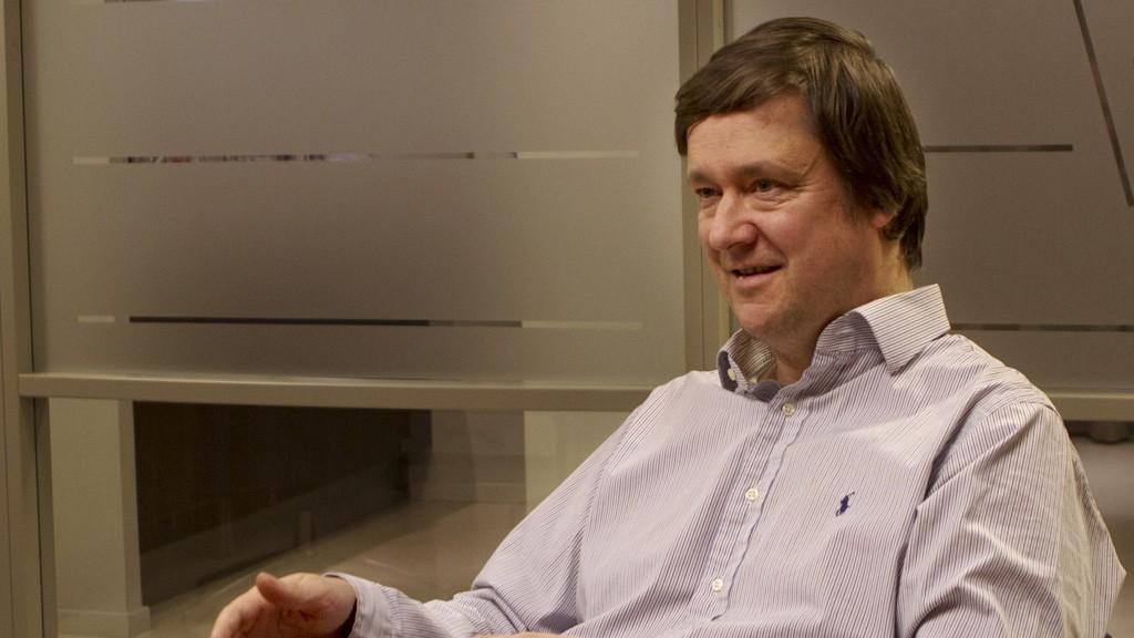 Høyesterettsadvokat John Christian Elden reagerer kraftig på forslaget fra regjeringen.
