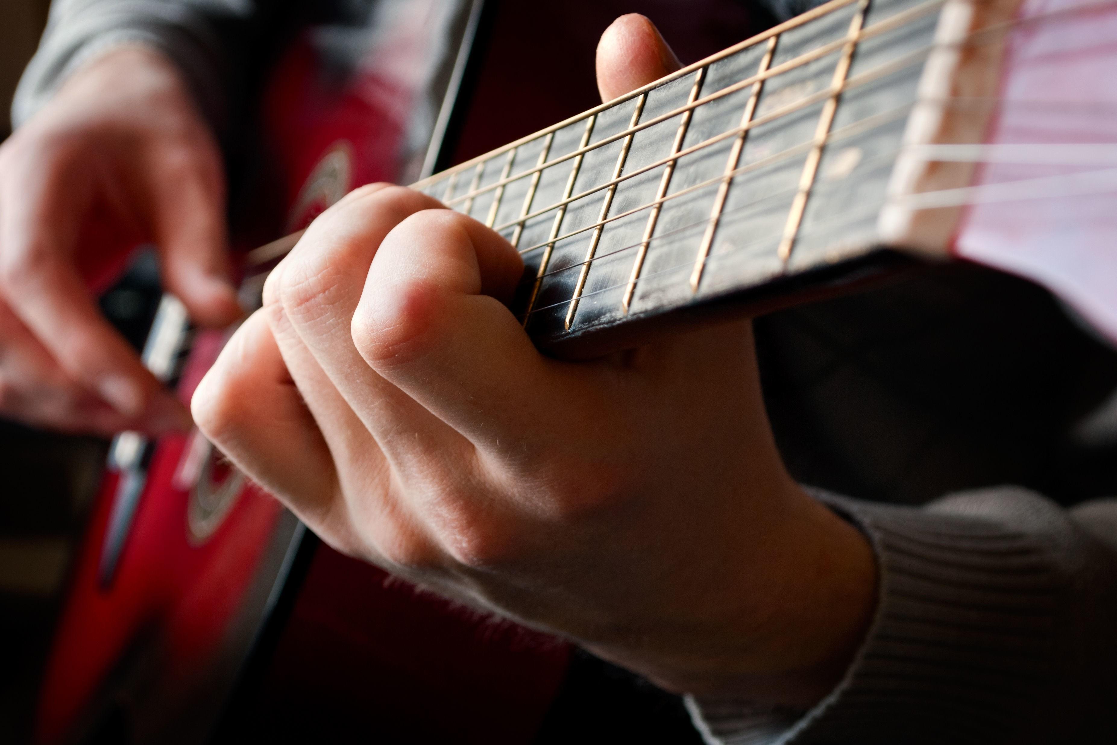 Gitarspilling er bra for hjernen.