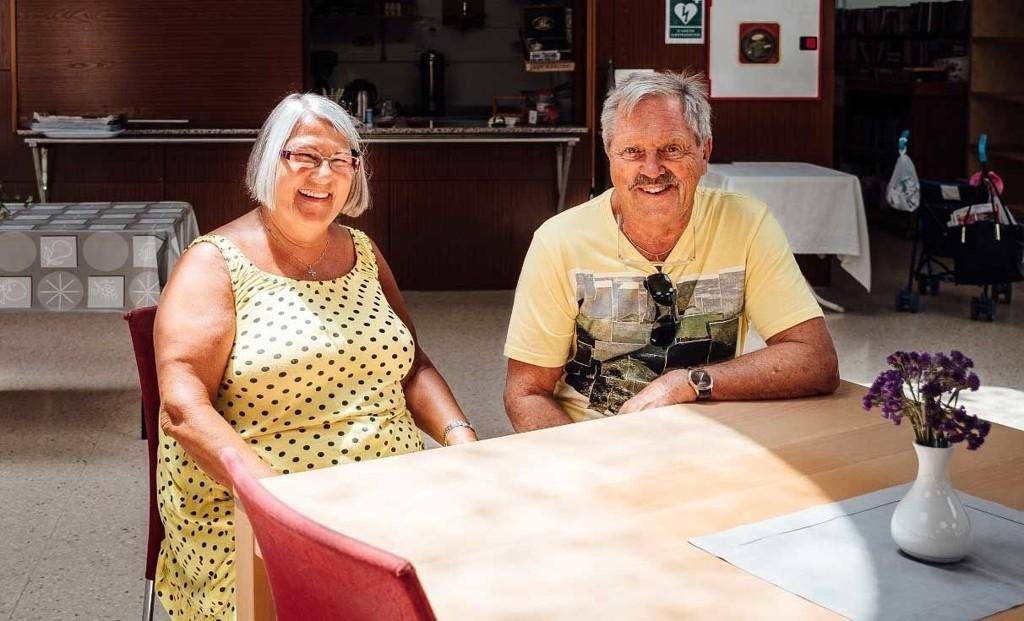 NORSK I SPANIA: Cordula Eva og Arvid Thoresen har bodd i Spania i 30 år, men har ingen spanske venner og kan ikke spansk.