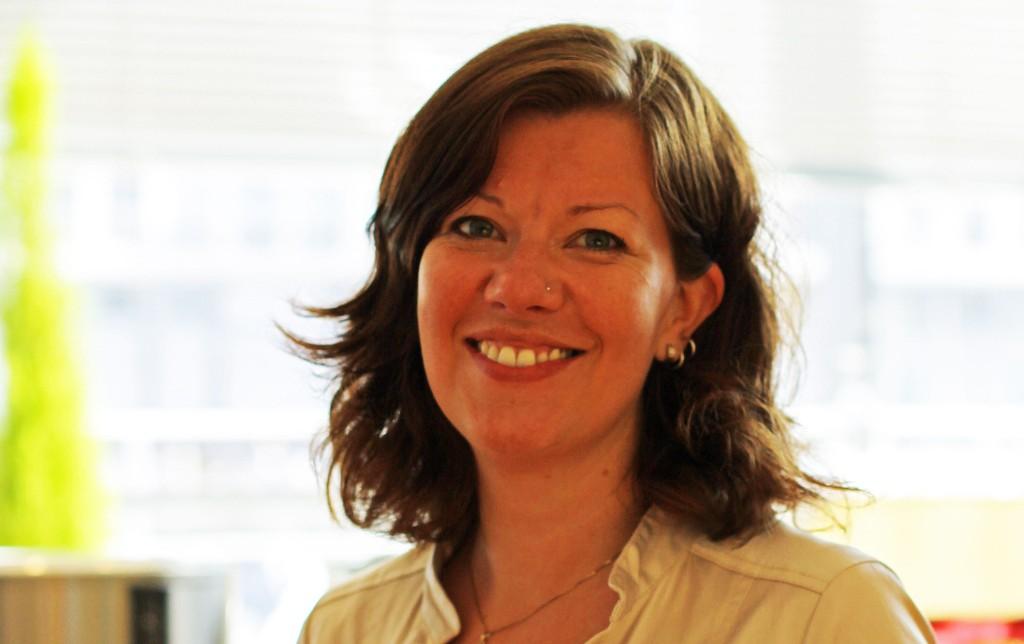 Kommunikasjonssjefen i Kristelig Folkeparti, Mona Høvset, bekjentgjorde på Facebook i helgen at hun har en homofil samboer.