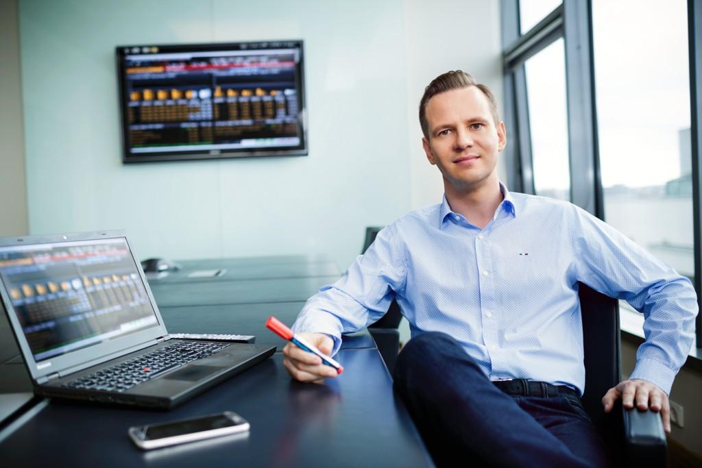 Investeringsdirektør Stig Myrseth i Dovre Forvaltning slipper inn Bank Norwegian i porteføljen.