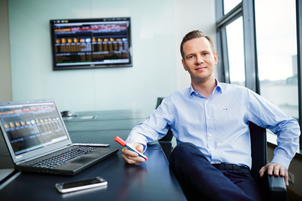 Investeringsdirektør Stig Myrseth i Dovre Forvaltning slipper inn DNB-aksjen i porteføljen.