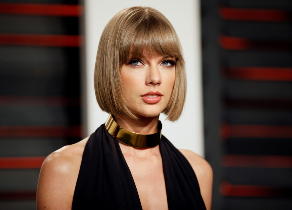 TAYLOR SWIFT under en Vanity Fair-fest i Beverly Hills tidligere i år.