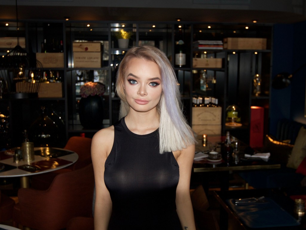 SOPHIE ELISE - Sophie Elise navngir menn som sprer sex-bilde