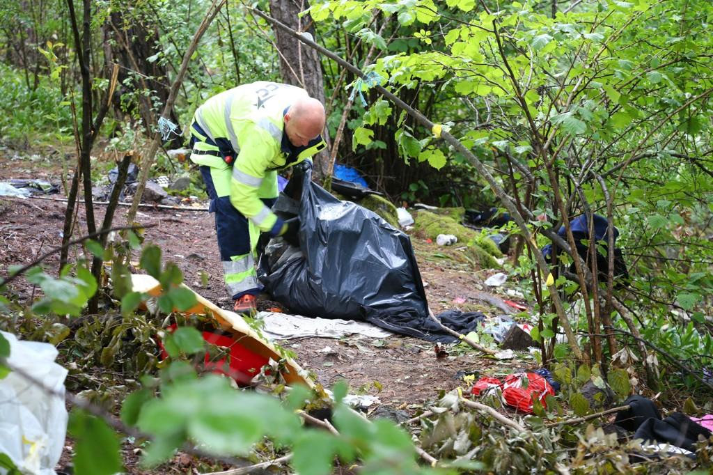 Her ryddet Rusken opp etter at politet tømte romleirer i Ekebergskogen i Oslo i sommer.