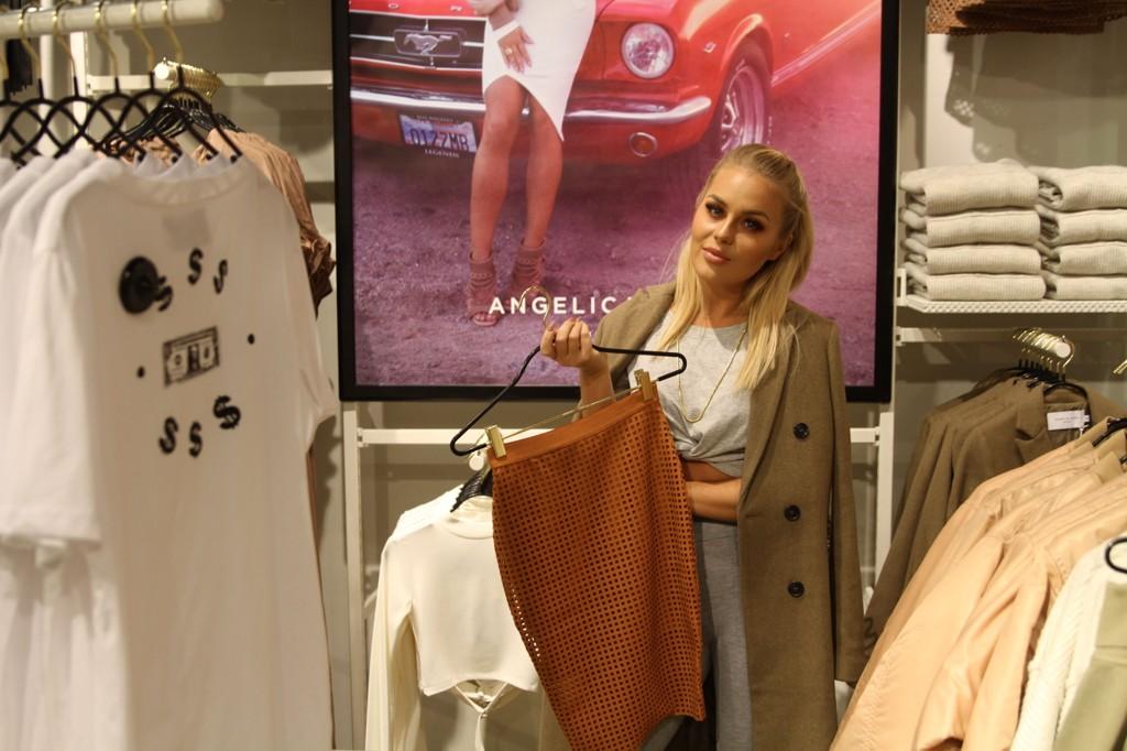 Angelica er klar for lansering av sin kolleksjon på Bik Bok Karl Johan.