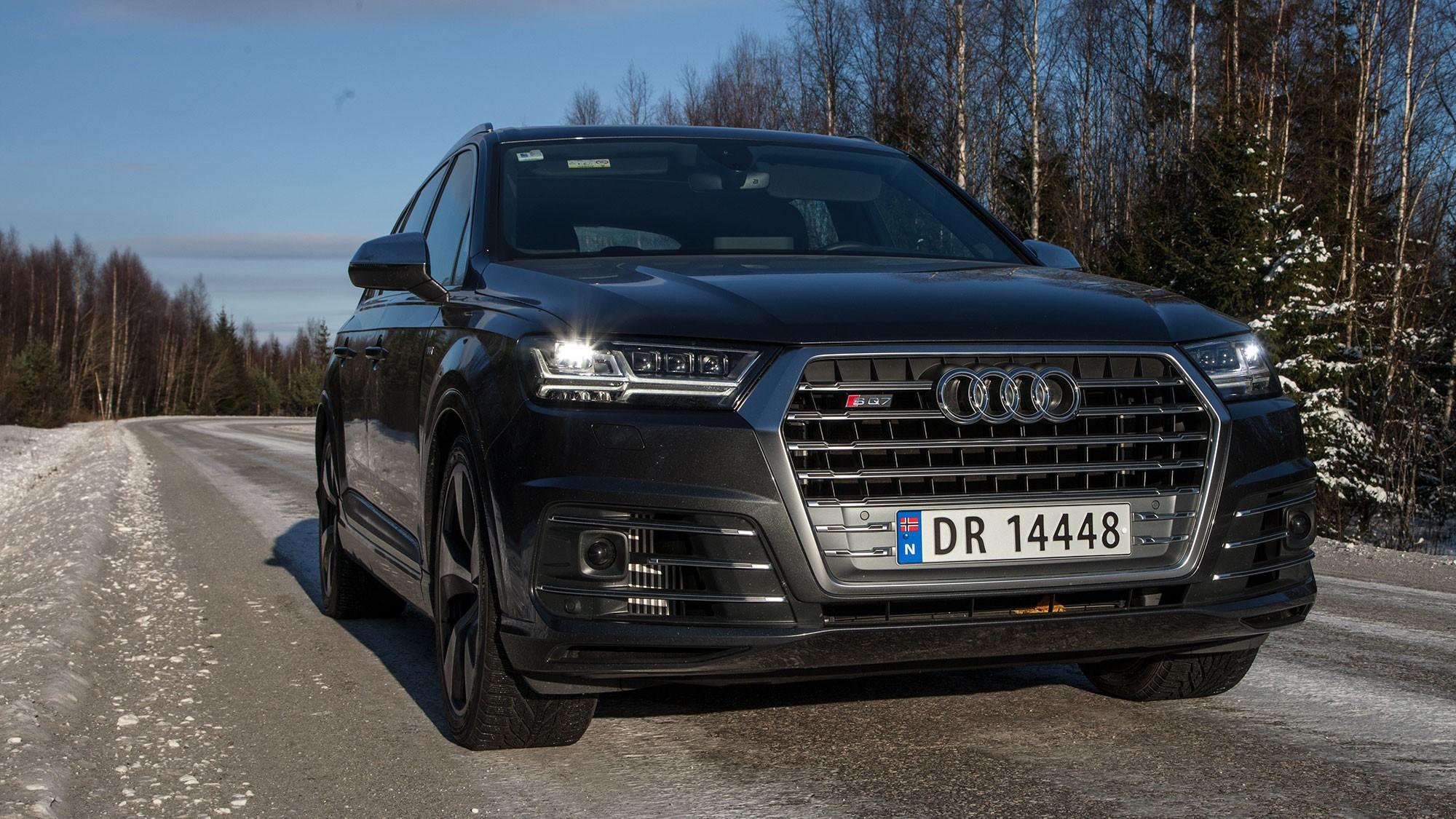 TØFFING: Ingen skal si at Audi lager biler med diskrete griller - og det som befinner seg under panseret er enda råere.
