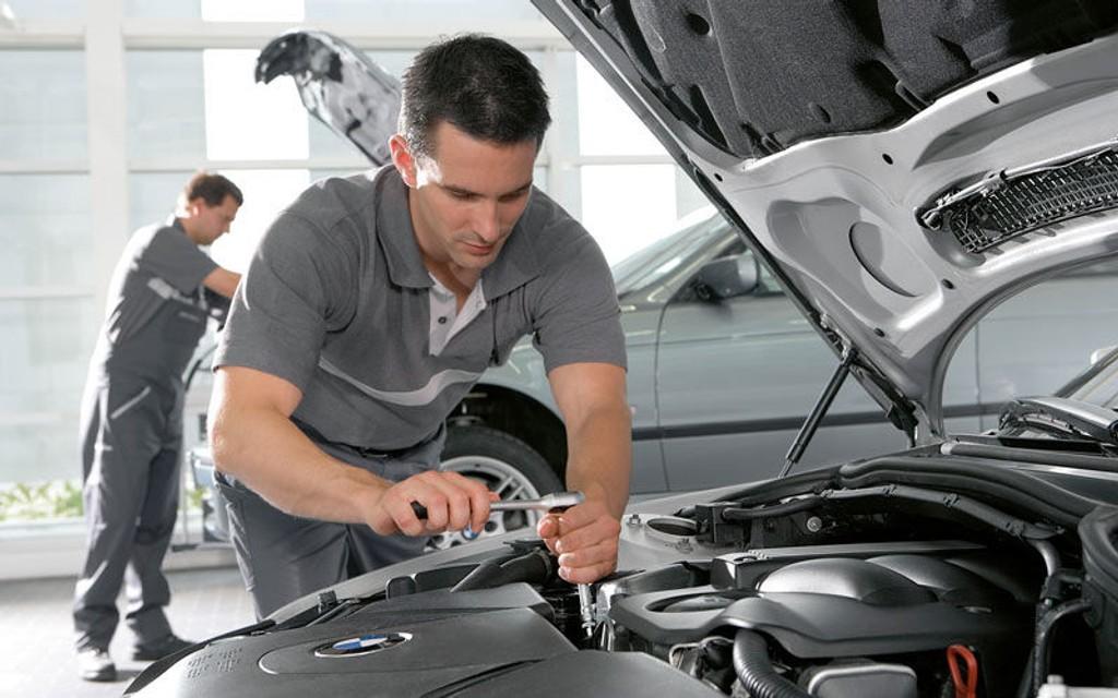 Med BMW Value Service er du sikret at serviceteknikerne er spesialister på alle BMW-modeller.