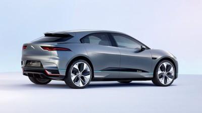 LUKSUSSUV FOR 550.000 KR? Med hensyn til dagens valutakurs og avgiftsfritak i Norge antyder tyske og britiske bilmagasiner en pris fra rundt 550.000 kroner for Jaguars elektriske SUV I-Pace, skriver Jaguar-forhandler Insignia på sine nettsider.