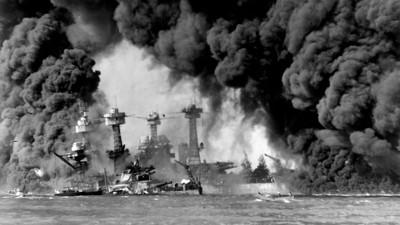 TRUFFET AV BOMBER: Slagskipene USS