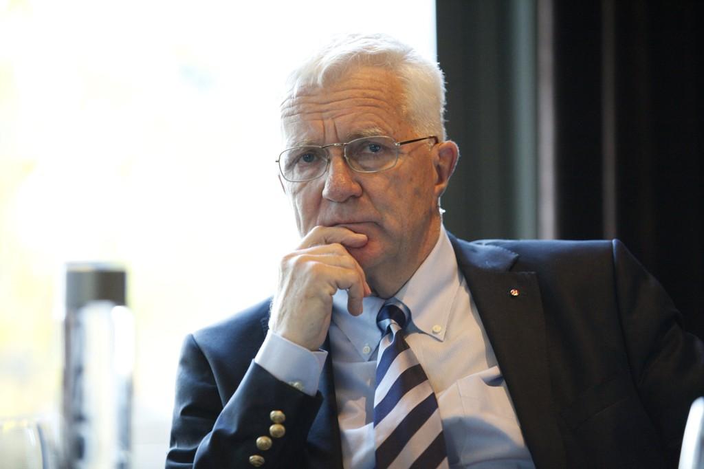 Finansavisens redaktør Trygve Hegnar fyrer løs mot klimatiltaket Stortinget har stilt seg bak.