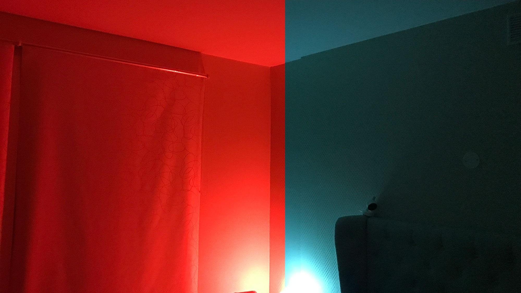 Med Philips Hue kan du enten ha noen få lamper i huset som skaper litt ekstra fargeglede der du selv kan sette fargetonene - eller bytte ut alle lampene i hele huset for en fullstendig smartstyring av lys.