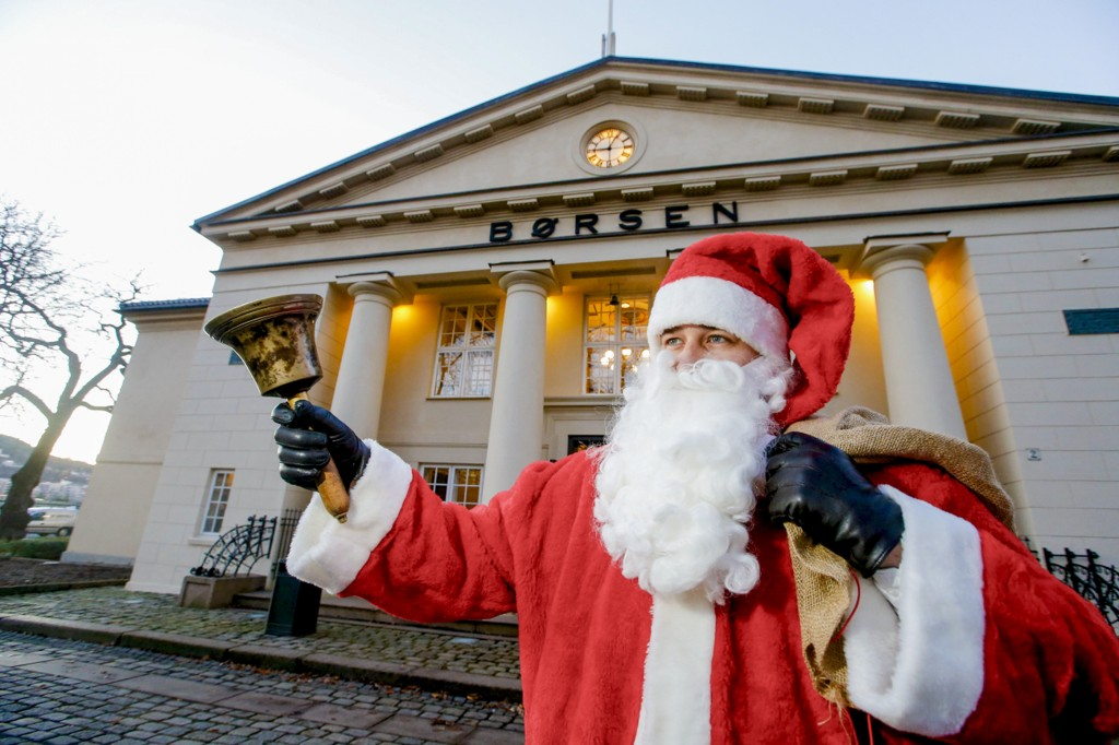 Julenissen åpnet dagen på Oslo Børs lillejulaften.