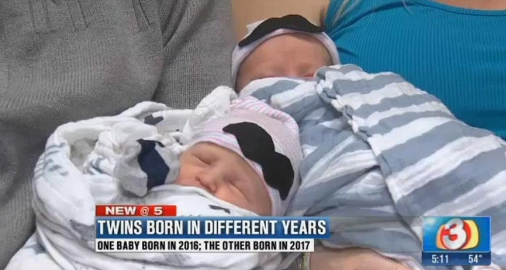TVILLINGER: Sawyer og Everett ble født med ti minutters mellomrom, men én i 2016 og én i 2017.