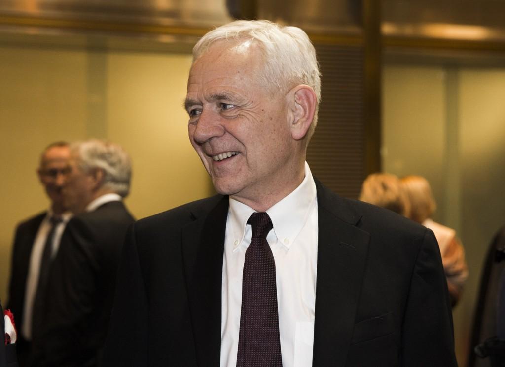 HUNDRE TUSEN: Professor Victor D. Norman mener Norge kan ta imot hundre tusen flyktninger.