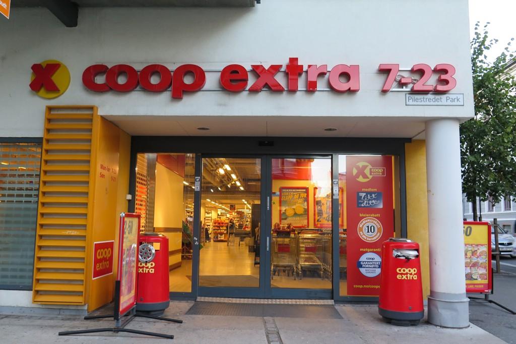 PRISKRIG. Coop Extra innfører nå 11 prosent rabatt på frukt og grønt.