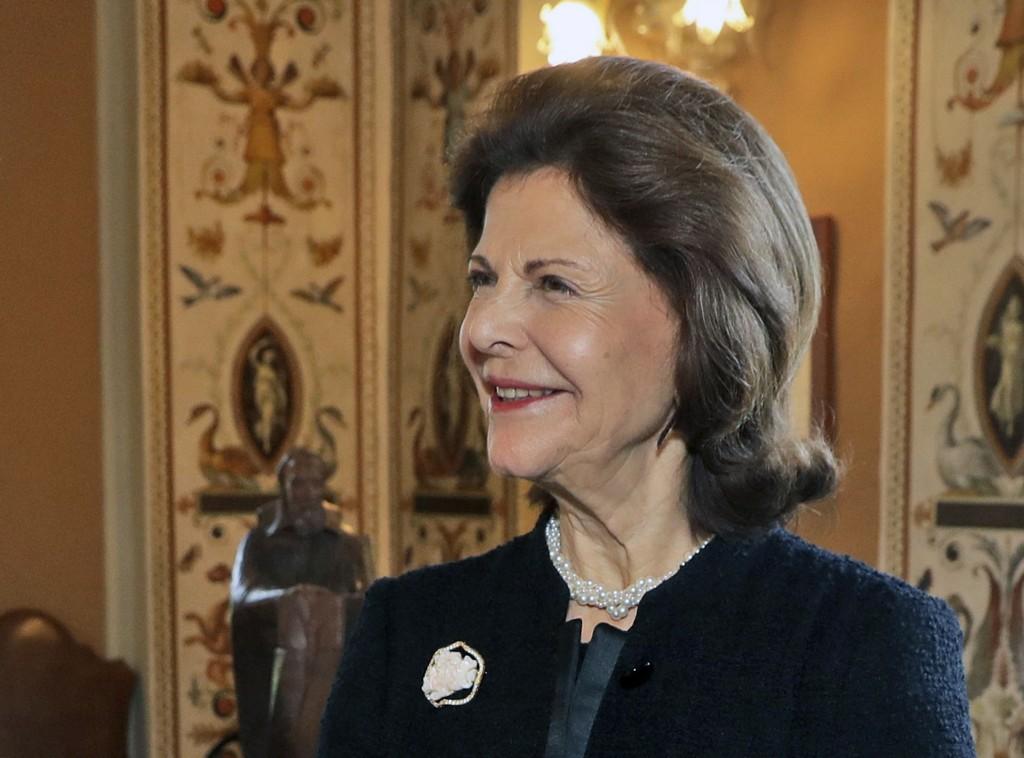 SPØKELSER: Sveriges dronning Silvia hevder det spøker på Drottningholms slott. Her avbildet under et besøk i Vatikanet i fjor høst.